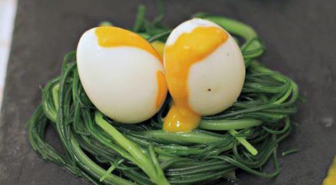 Uova di quaglia alla salsa rosa